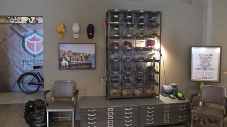 hat-display