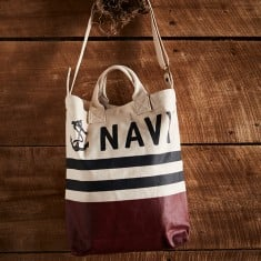Navy Tote lifestyle